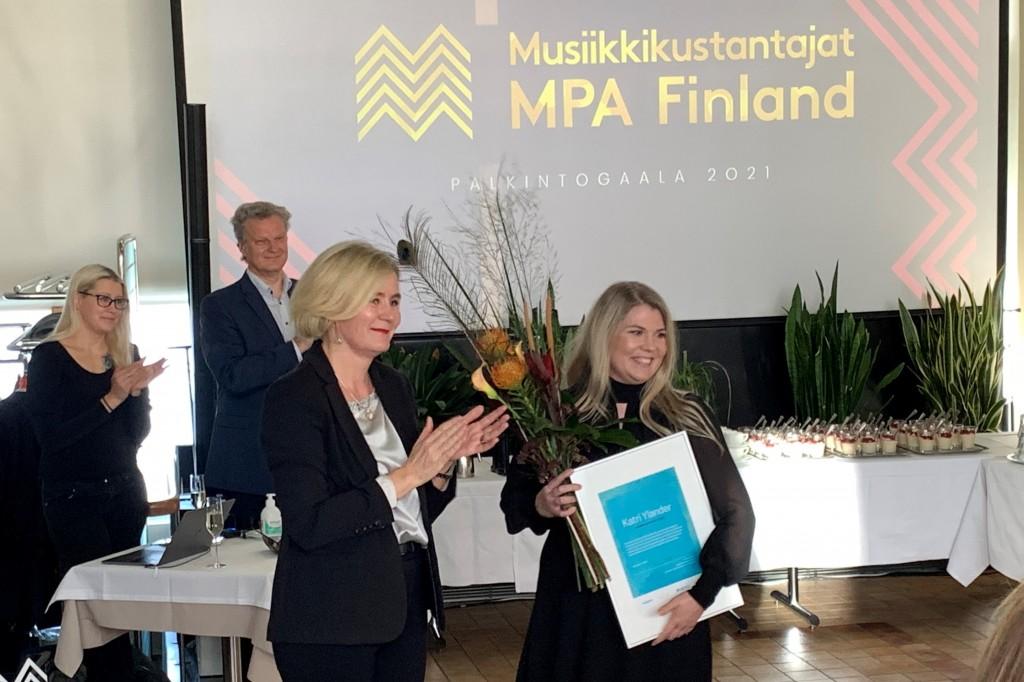 Katsri Ylander voitti vuoden raportoija -palkinnon vuonna 2021
